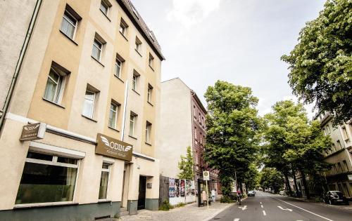 Roelckestrasse 167, 13086 Berlin, Germany.