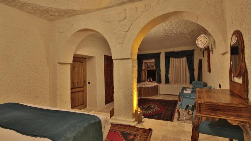 Cave Suite with Jacuzzi and Terrace