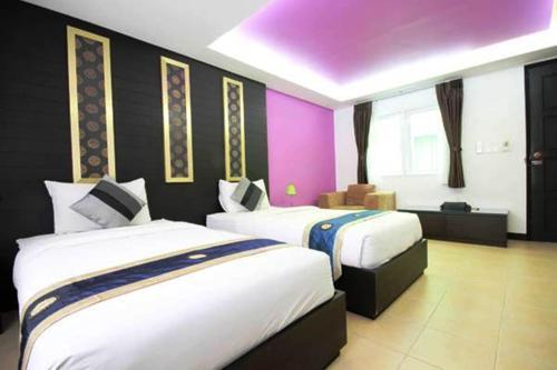 Oasis Inn Bangkok photo 9