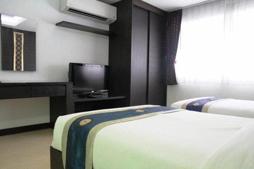 Oasis Inn Bangkok photo 10