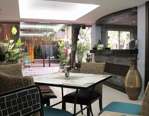 Oasis Inn Bangkok photo 19
