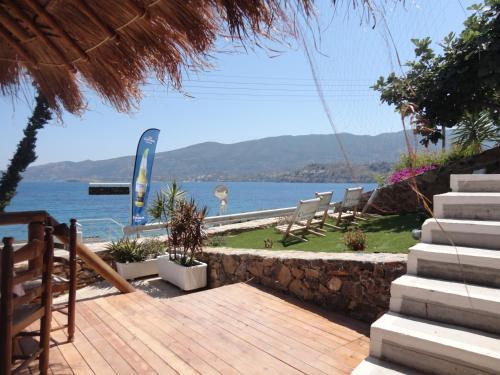 Askeli, Poros, 180 20, Greece.