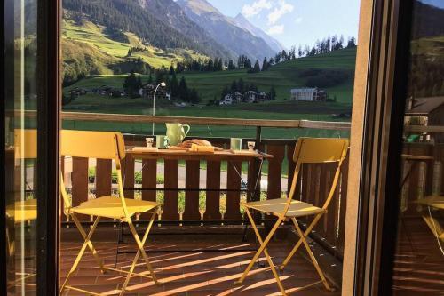 Kleine gemütliche Ferienwohnung für 2 Personen. - Apartment - Bergün / Bravuogn
