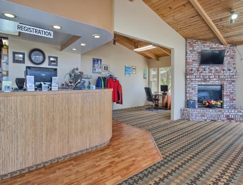 Silver Surf Motel - San Simeon, CA 93452