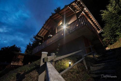 Charmant chalet tout équipé, vue sur les Aravis et route des Alpes, accès par escaliers - Chalet - Saint Jean de Sixt