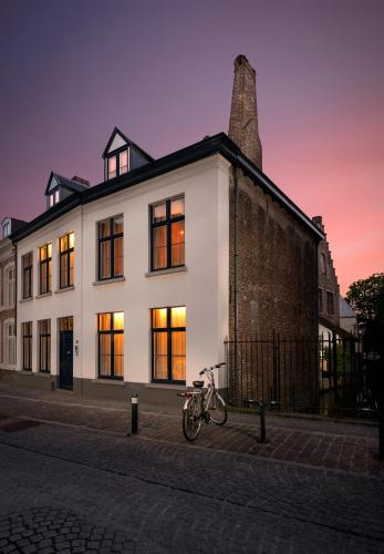 Canalside House - Luxury Guesthouse, 8000 Brügge