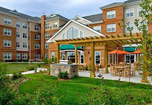 Residence Inn Dulles Airport At Dulles 28 Centre - Hotel - Sterling