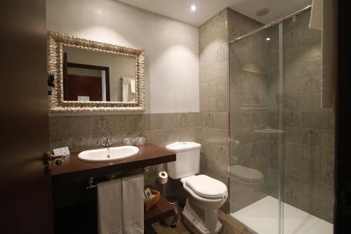 Double or Twin Room with Street View Hotel Diana 9