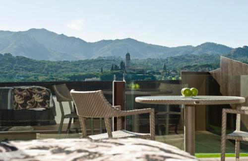 Suite with Jacuzzi® and Private Garden Suites Natura Mas Tapiolas 38