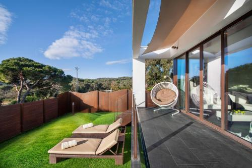 Suite with Jacuzzi® and Private Garden Suites Natura Mas Tapiolas 41