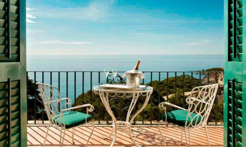 Superior Doppelzimmer mit Terrasse und Zugang zum Spa Hostal de la Gavina GL 3