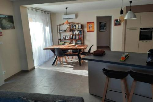 SUPERBE VILLA 85 m2 NIMES CAREMEAU - Location, gîte - Nîmes