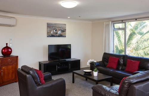 Belle Mer Beachfront Apartments - Self Serviced - Accommodation - Mount Maunganui
