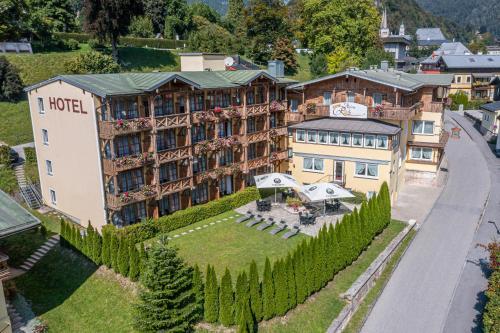 . Hotel AlpinaRos Demming