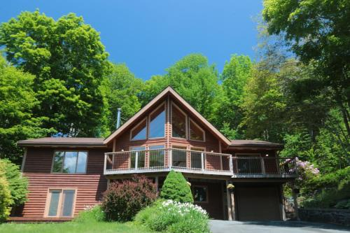 The Burgundy Dream Bed And Breakfast - Accommodation - Fall River