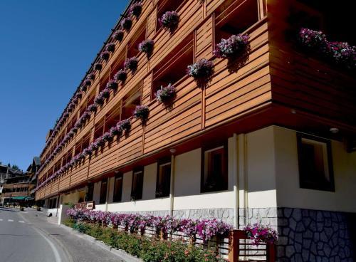 Radisson Residences Savoia Palace Cortina d'Ampezzo - Accommodation - Cortina d`Ampezzo