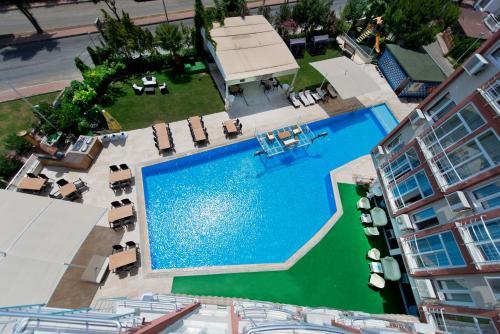 Antalya Lara World Hotel rezervasyon