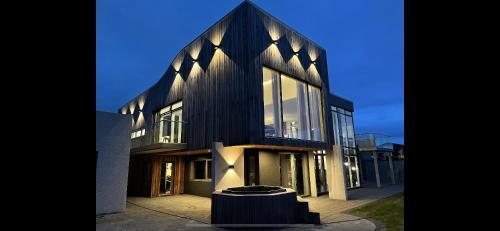 Private Grand Villa - Accommodation - Mosfellsbær