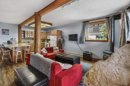 Whispering Pines - Apartment - Big White