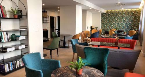 Hotel Apolonia Paris Montmartre; Sure Hotel Collection by Best Western - Hôtel - Paris