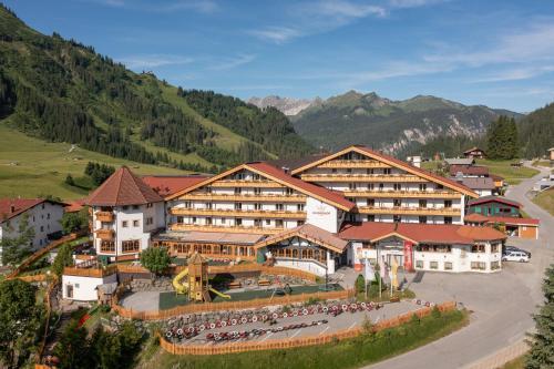 Familotel Kaiserhof - Families only - Hotel - Berwang