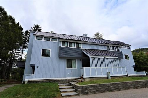 Waterville Valley Vacation Condo close to Town Square and Free Shuttle to Ski Area! - Apartment - Waterville Valley