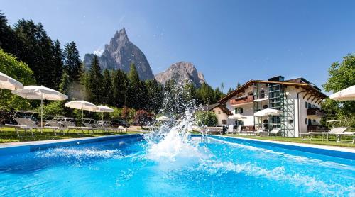 Hotel Waldrast Dolomiti - Alpe di Siusi/Seiser Alm