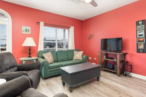 Plum Perfect by Meyer Vacation Rentals