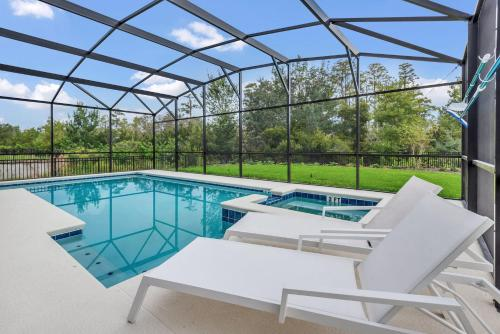6BR Luxury Home - Family Resort - Private Pool, Hot Tub, and BBQ!