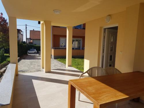 Minihaus in Zagreb - Apartment - Sesvete