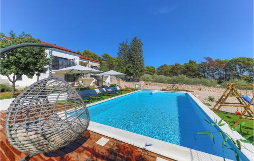 Nice home in Sibenik w/ Outdoor swimming pool and 2 Bedrooms