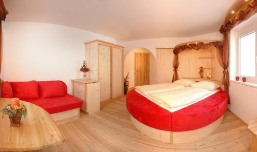 Bed & Breakfast Landhaus Strasser - Accommodation - Söll
