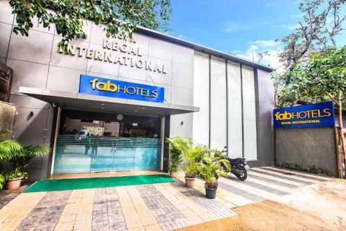FabHotel Regal International