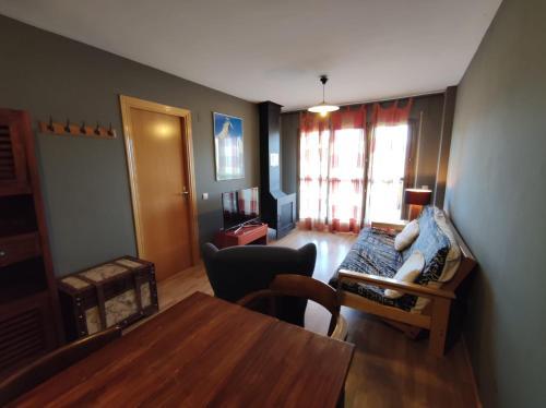 Prados de Velarta AB1, terraza con vistas - Apartment - Cerler