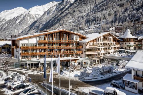 Das Central – Alpine . Luxury . Life - Hotel - Sölden