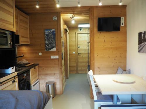 Appartement Les Menuires, 1 pièce, 3 personnes - FR-1-344-368 Les Menuires