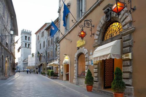 . Hotel Dei Priori