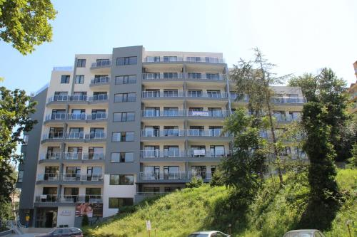 . Dilov Apartments in Yalta Golden Sands