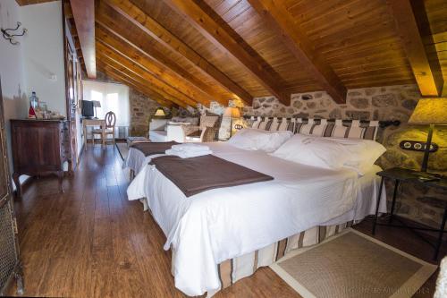 Habitación Doble Superior Hotel Rustico Lugar Do Cotariño 33