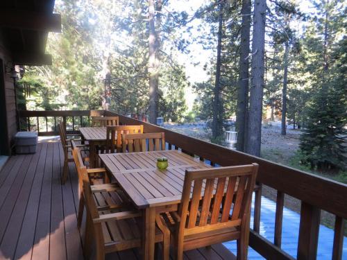 Donner Lake Inn B&B - Accommodation - Truckee