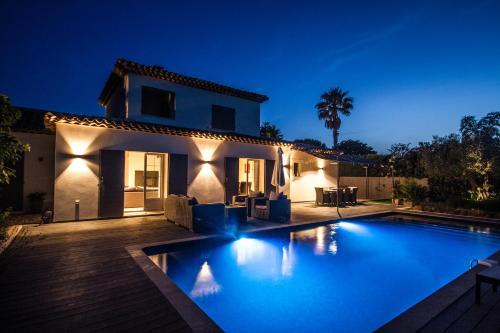. Villa Casabianca