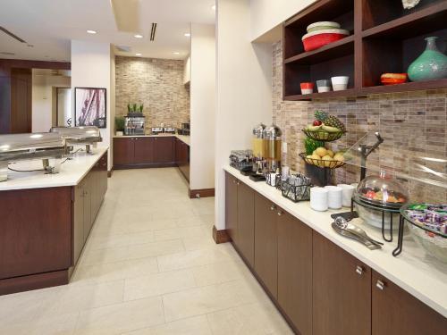 Homewood Suites by Hilton Halifax - Downtown - Halifax, NS B3J 2G7