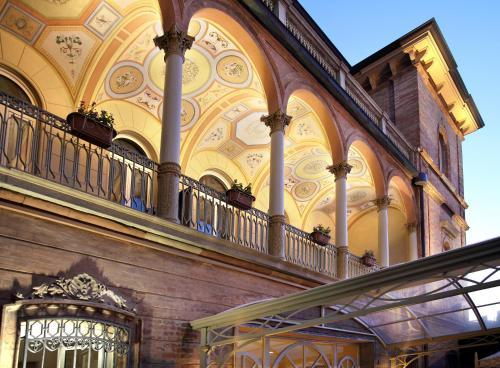 Viale Amerigo Vespucci 3, 47921 Rimini, Italy.