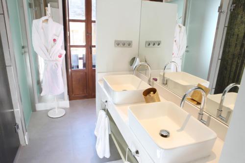 Superior Double Room Hotel Las Treixas 4