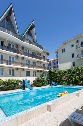 Ev Roshel Hotel
