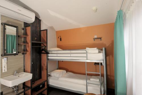 Budget Hotel Tourist Inn photo 52
