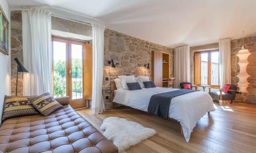 Double or Twin Room - single occupancy Os Lambráns 2