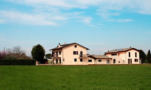 Rosa di Assisi - Accommodation - Bastia Umbra