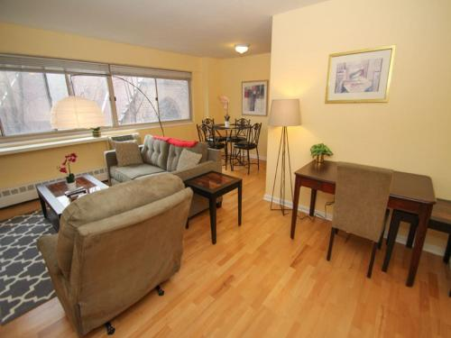 Luxury Two Bedroom By Rittenhouse Square - Philadelphia, PA 19103