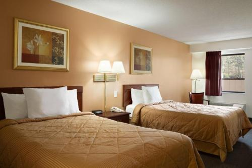Days Inn By Wyndham Monroeville Pittsburgh - Monroeville, PA 15146